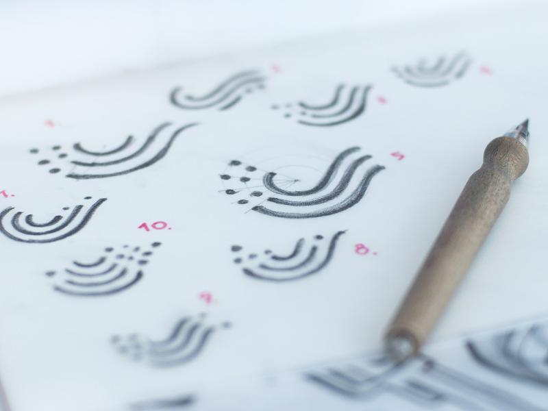 swiftybeaver logo sketches tubikstudio-design