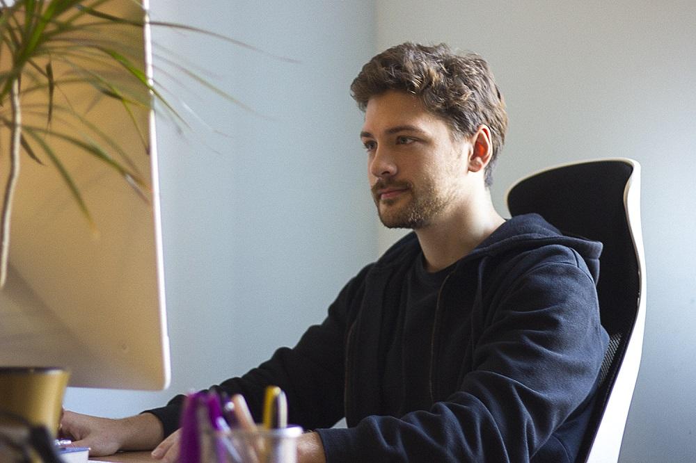 tubik graphic designer